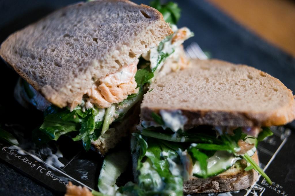 Lachs-Avocado-Sandwiches-2